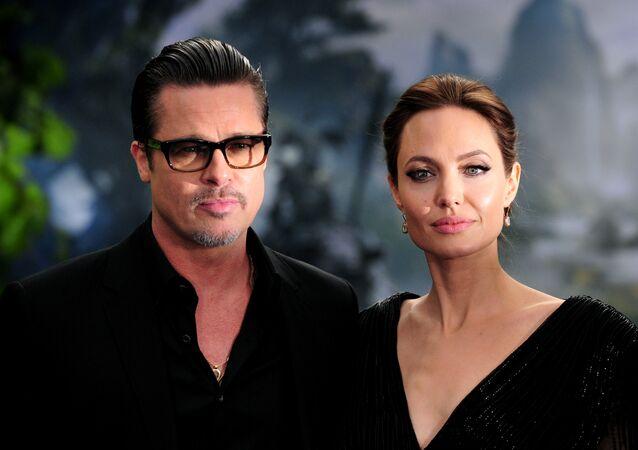 Los actores estadounidenses Brad Pitt y Angelina Jolie