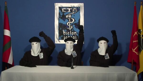 Masked members of the Basque militant group ETA - Sputnik Mundo