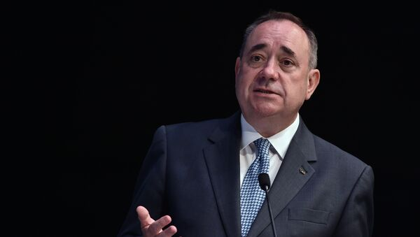 Scotland's First Minister Alex Salmond addresses journalists at the main media centre in the SECC in Glasgow, Scotland, on July 22, 2014, ahead of the start of the 2014 Commonwealth Games which begin on July 23, 2014 - Sputnik Mundo