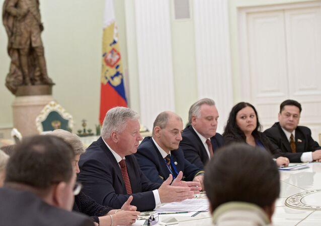 Mikhail Shmakov, presidente de la Federación de Sindicatos Independientes de Rusia