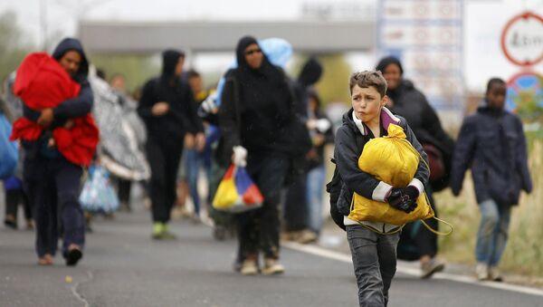 Serbia se ofrece al reparto de refugiados - Sputnik Mundo