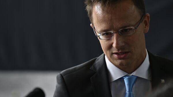 Péter Szijjarto, canciller húngaro - Sputnik Mundo