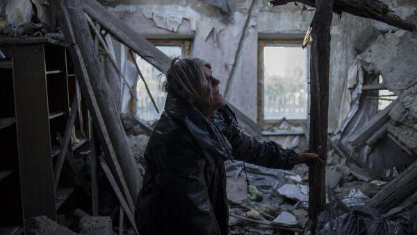 Vecino del pueblo Staromykhailivka de la región de Donetsk - Sputnik Mundo
