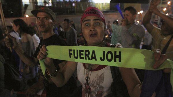 Manifestación con la demanda de la renuncia del presidente de Honduras - Sputnik Mundo