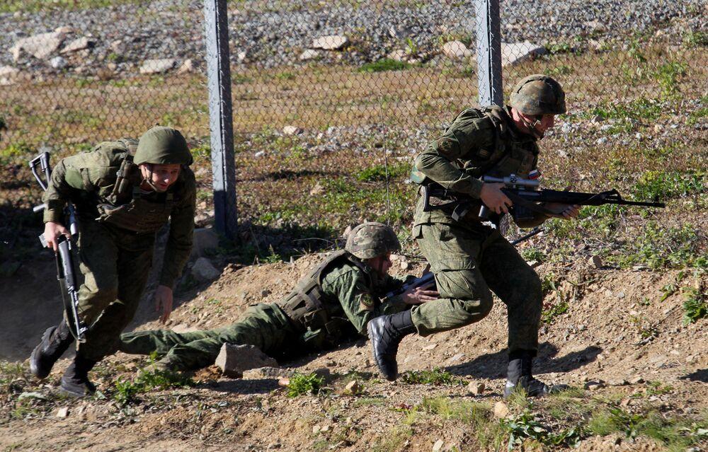 La infantería de marina rusa se entrena en la lucha antiterrorista