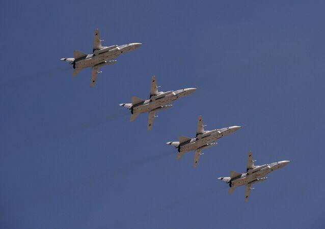 Bombarderos rusos Su-24