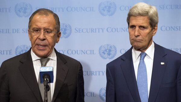 Ministro de Exteriores de Rusia, Serguéi Lavrov, y secretario de Estado de EEUU, John Kerry - Sputnik Mundo
