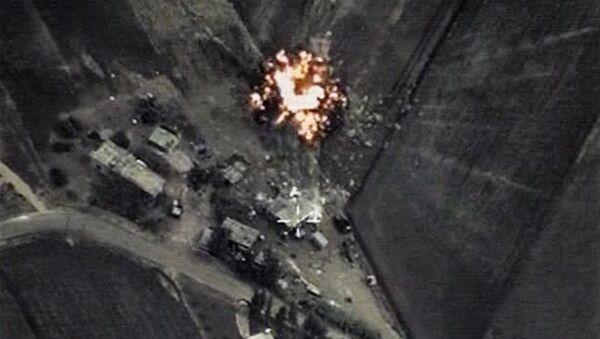Ataques aéreos de Rusia contra objetivos del EI - Sputnik Mundo