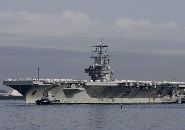 El portaviones estadounidense USS Ronald Reagan en Japón (archivo)