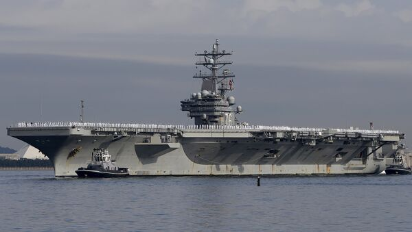 The USS Ronald Reagan, a Nimitz-class nuclear-powered super carrier, arrives at the U.S. naval base in Yokosuka, south of Tokyo, Japan - Sputnik Mundo