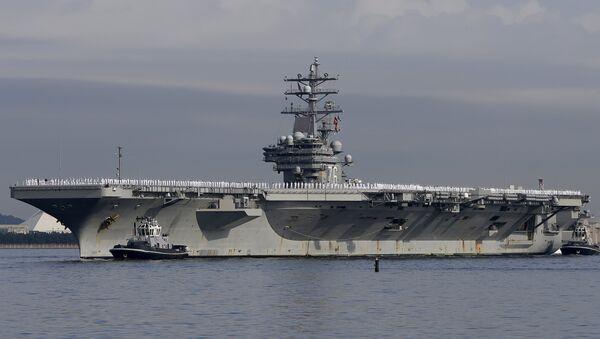 El portavión de propulsión nuclear, el USS Ronald Reagan - Sputnik Mundo