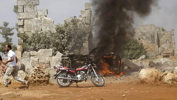 Consecuencias de los ataques aéreos rusos (según activistas) en Idlib, Siria - Sputnik Mundo