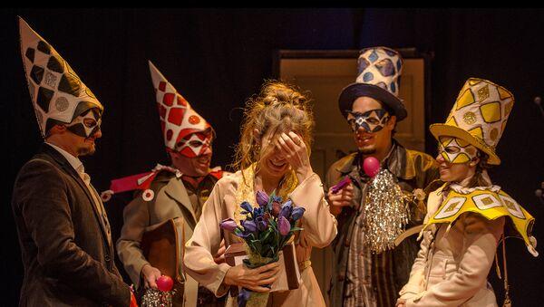 Estreno de Querida Elena en el teatro El Galpón (Montevideo) - Sputnik Mundo