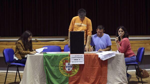 Un colegio electoral en Portugal - Sputnik Mundo