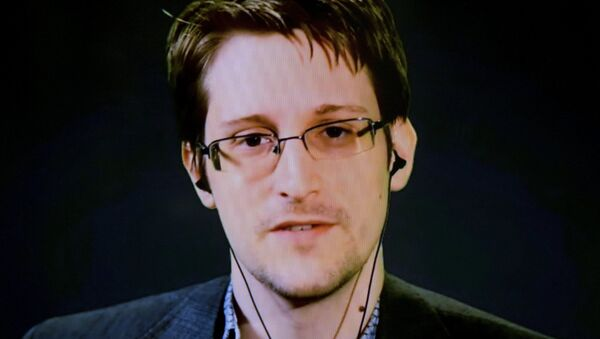 Edward Snowden, exagente de los servicios secretos de EEUU - Sputnik Mundo