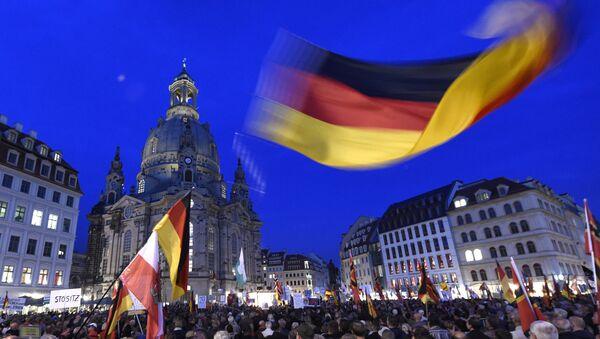 Manifestación convocada por Pegida en Dresde (Archivo) - Sputnik Mundo