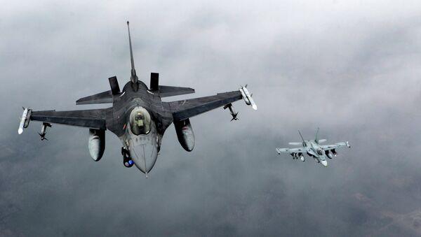 Cazas F-16 de la OTAN - Sputnik Mundo