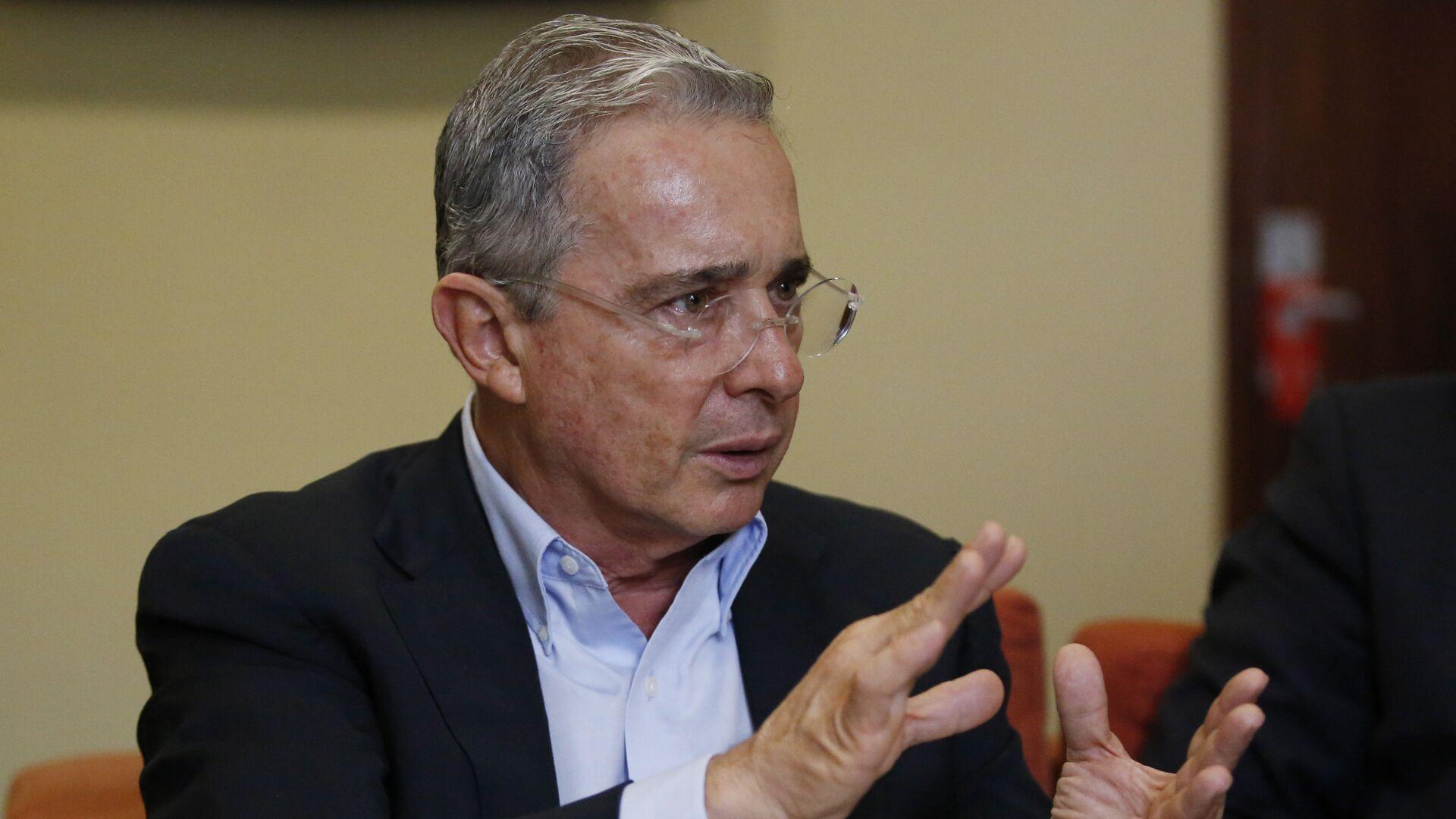 Álvaro Uribe Vélez, expresidente de Colombia - Sputnik Mundo, 1920, 25.08.2021
