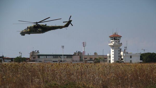 Российская боевая авиагруппа на аэродроме Хмеймим в Сирии - Sputnik Mundo