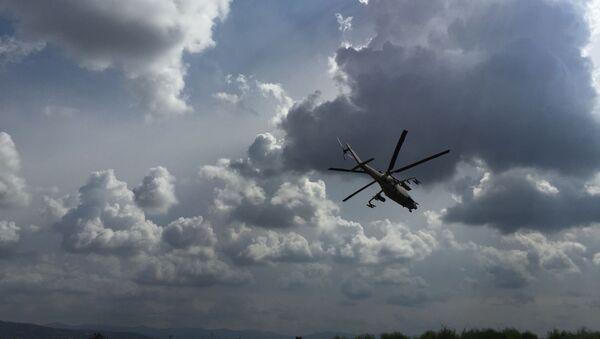 Un helicóptero en Siria (ilustración) - Sputnik Mundo