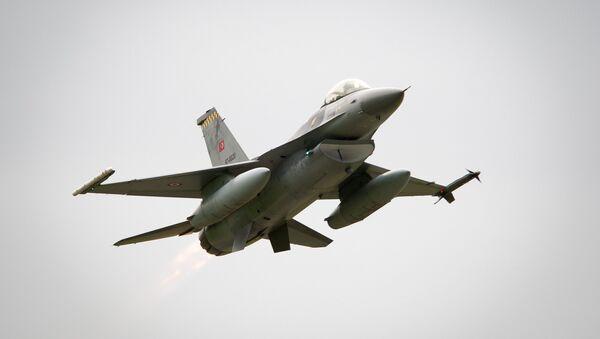 Caza turco F-16 - Sputnik Mundo