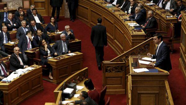 Primer ministro de Grecia Alexis Tsipras en el Parlamento - Sputnik Mundo