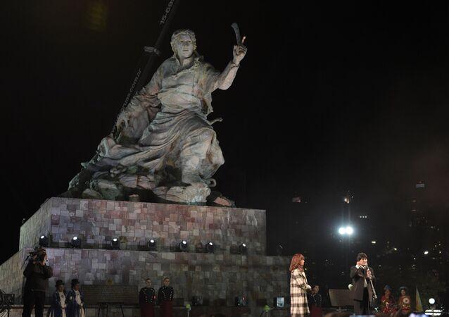 La estatua de la generala Juana Azurduy, la heroina de la independencia