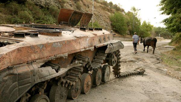 Tsjinvali, capital de Osetia del Sur, en agosto de 2008 (archivo) - Sputnik Mundo