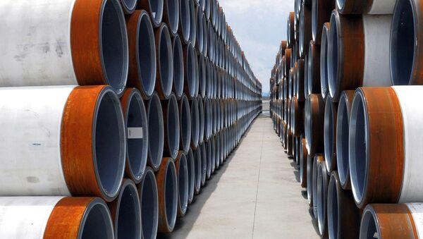 До начала строительства трубы для морского газопровода «Турецкий поток» складируются в портах Черного моря. - Sputnik Mundo