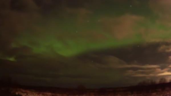 Cielo verde sobre San Petersburgo - Sputnik Mundo