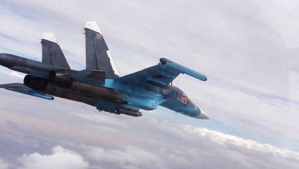 Caza ruso Su-34 en Siria (Archivo) - Sputnik Mundo