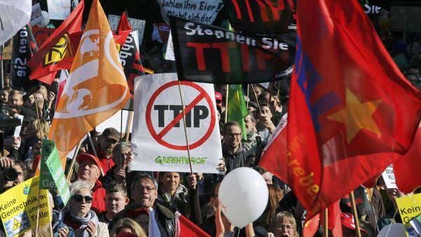 Manifestación en Berlín contra el TTIP - Sputnik Mundo