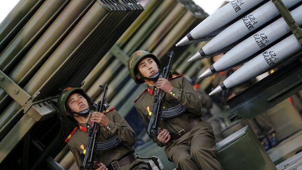 Corea del Norte celebró el 70 aniversario del Partido de los Trabajadores con un gran desfile militar - Sputnik Mundo
