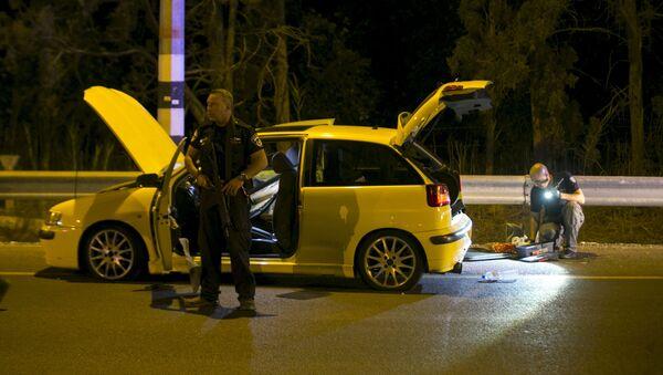 Un palestino de Israel de 20 años atropelló hoy a una soldado y después bajó de su vehículo y acuchilló a tres personas en la localidad de Gan Shmuel - Sputnik Mundo