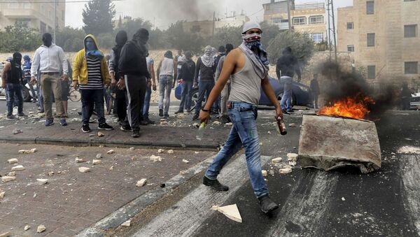 Palestinos choquen con las fuerzas policíacos de Israel, Jerusalén (archivo) - Sputnik Mundo
