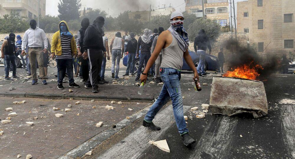 Palestinos choquen con las fuerzas policíacos de Israel, Jerusalén (archivo)