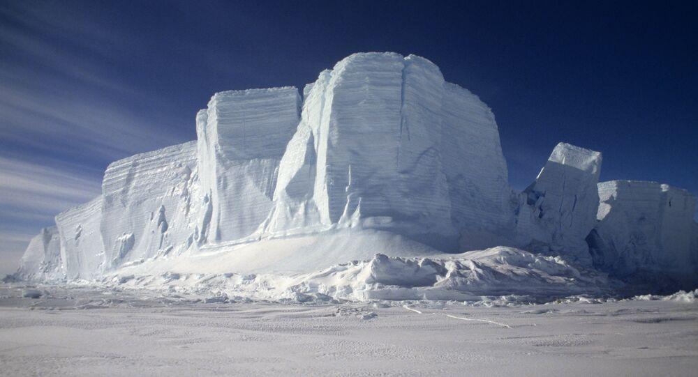 Un iceberg en la Antártida (imagen referencial)