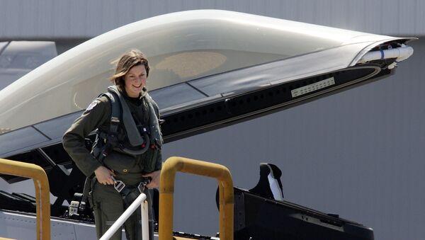 Flores del cielo: mujeres pilotos de cazas - Sputnik Mundo