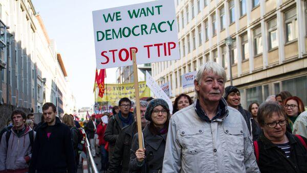 Protesta contra el TTIP - Sputnik Mundo