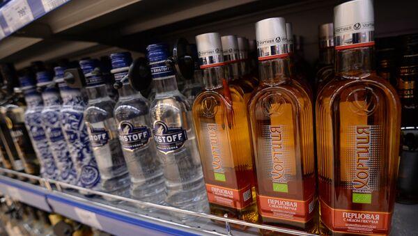 Vodka en un supermercado en Moscú - Sputnik Mundo