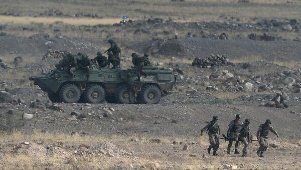 Ejército de Armenia durante maniobras - Sputnik Mundo