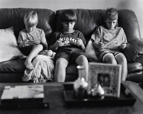 Síndrome de la abstinencia: borrar los teléfonos inteligentes de la foto - Sputnik Mundo