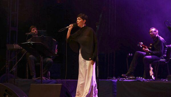 Cantante portuguesa Teresa Salgueiro actúa en el Festival Cervantino de Guanajuato - Sputnik Mundo
