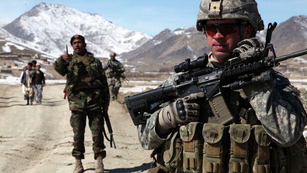 Militares estadounidenses y afganos en Yawez - Sputnik Mundo