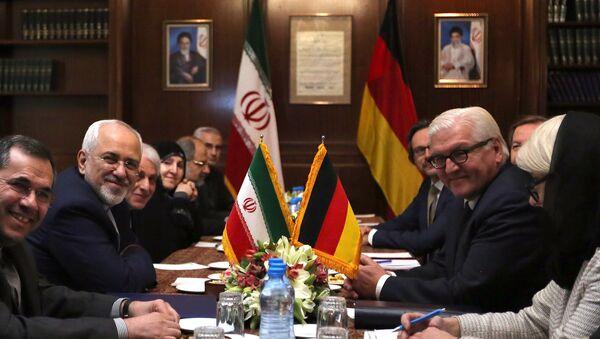 El canciller de Irán, Mohammad Javad Zarif y su homólogo de Alemania, Frank-Walter Steinmeier - Sputnik Mundo