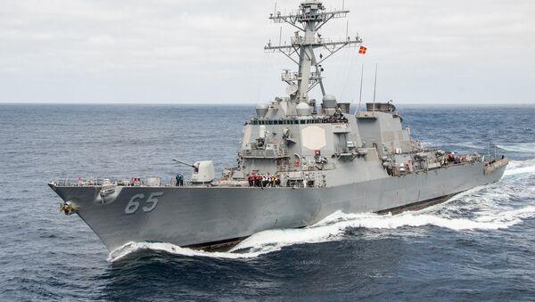 El destructor USS Benfold de las Fuerzas Navales de los EEUU - Sputnik Mundo