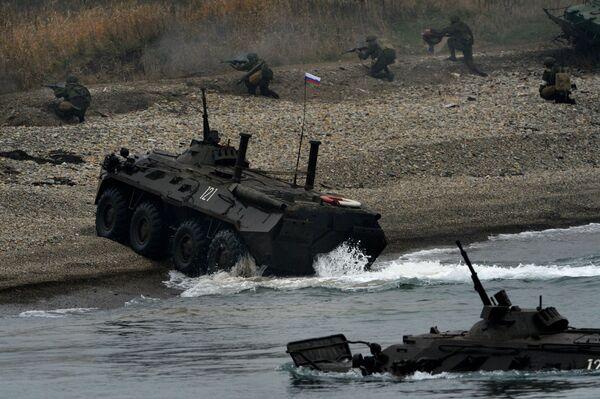"Infantería marina de la Flota rusa del Pacífico abate a ""terroristas"" - Sputnik Mundo"