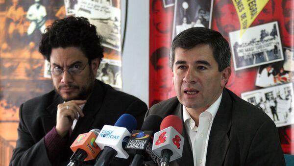 Senador colombiano, Iván Cepeda, y expresidente de Colombnia, Álvaro Uribe (archivo) - Sputnik Mundo
