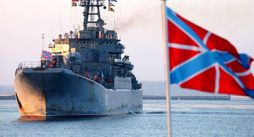Buque de desembarco Kaliningrado en el puerto militar de Baltiysk