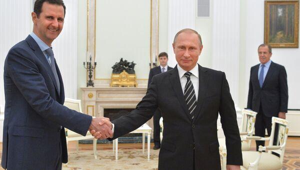 Presidente de Siria, Bashar Asad y presidente de Rusia, Vladímir Putin - Sputnik Mundo